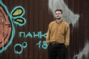 Режиссер «Витьки Чеснока» снял часть международного фильма о пандемии