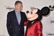 Раскрыто, сколько денег заплатили главам Disney и Netflix во время пандемийного кризиса